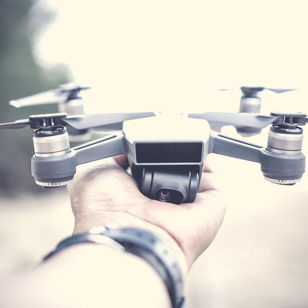 Dron w reklamie